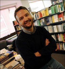 Lo scrittore Paolo Roversi
