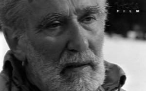 Il premio dedicato a Mario Rigoni Stern (qui in foto) è dedicato a tutta la cultura alpina che, anche se frammentata, è unita nel modo di vivere