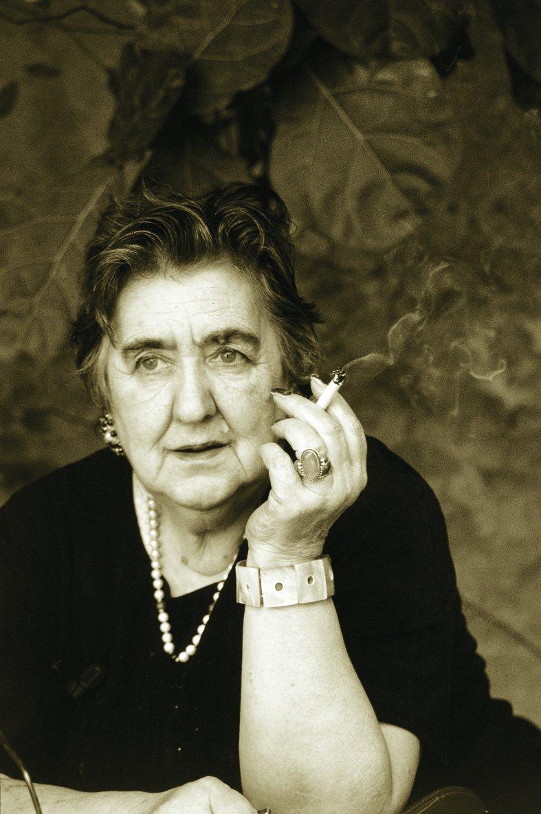 Grandi donne fra storia e letteratura realt e leggenda for Foto di un libro