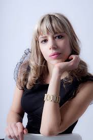 Manola Aramini, autrice del libro Gabbiani Luminosi
